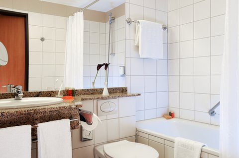 Nh Viernheim Hotel - Bathroom