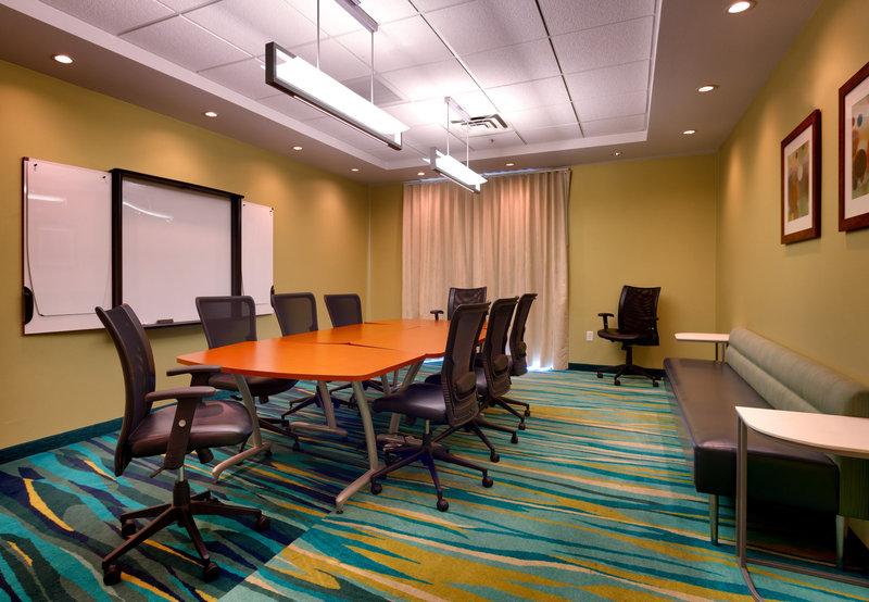 SpringHill Suites Las Vegas Henderson 会议厅