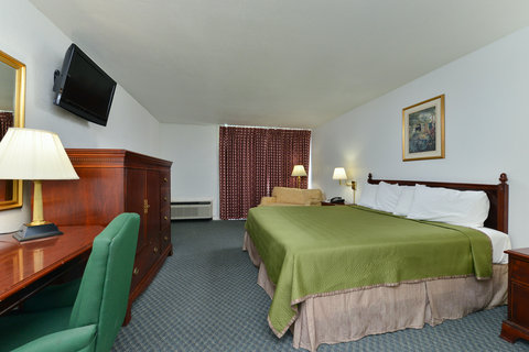 Americas Best Value Inn Corpus Christi North Airport - One King Bed Guest Room