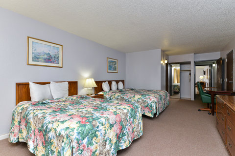 Americas Best Value Inn Corpus Christi North Airport - Two Double Bed Kitchenette Suite