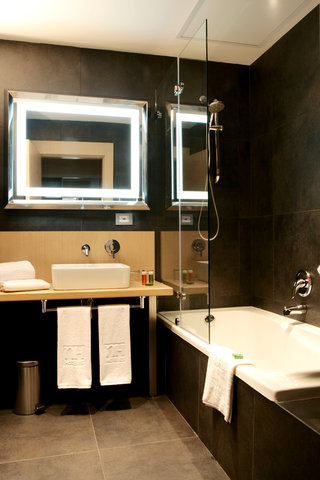 NH Bogota 93 - Bathroom