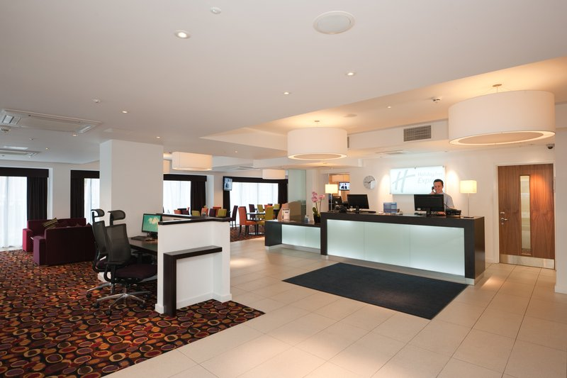 Holiday Inn Express Birmingham - South A45 前厅