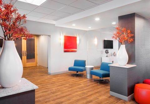 Fairfield Inn & Suites Charlotte Uptown - Studio 220 Pre-Function Space