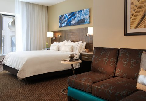 Renaissance Denver Downtown City Center Hotel - Deluxe King Guest Room - City View