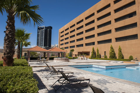 Hotel Soberano Chihuahua - Swimming pool
