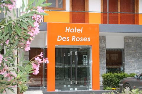 Hotel Des Roses - Exterior