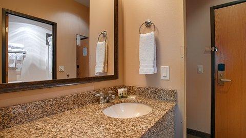 BEST WESTERN Northwest Lodge - Guest Bathroom