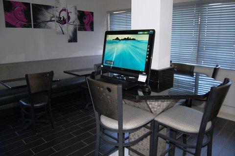 Best Western Santa Fe Inn Hotel - Business Center