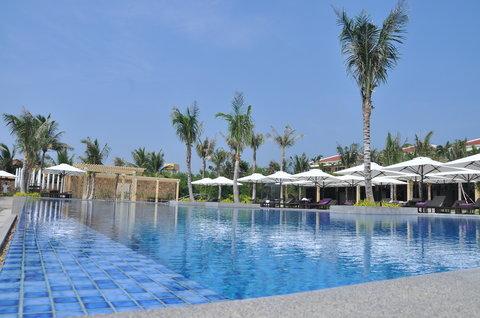 Salinda Premium Resort and Spa - Swimming pool at Salinda Premium Resort   Spa