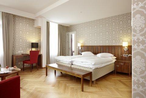 Hotel Waldhaus - Modern Room