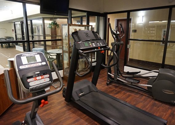 Comfort Suites Lombard Fitness club