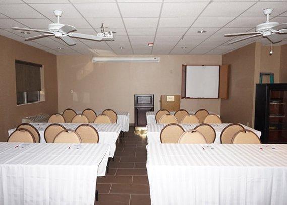 Comfort Suites Lombard Meeting room