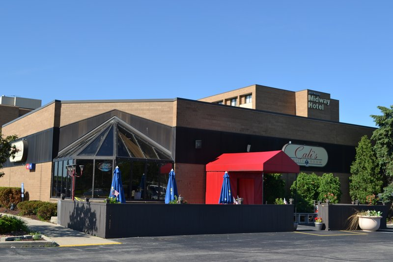 Midway Hotel & Suites - Brookfield, WI