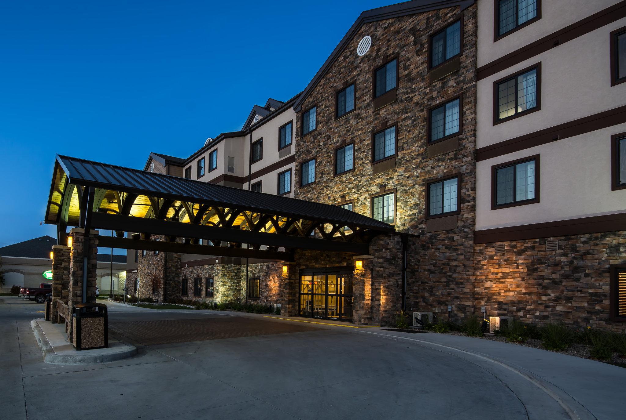 Staybridge Suites Grand Forks Nd Hotels Tourist Class Hotels In Grand Forks Gds Reservation