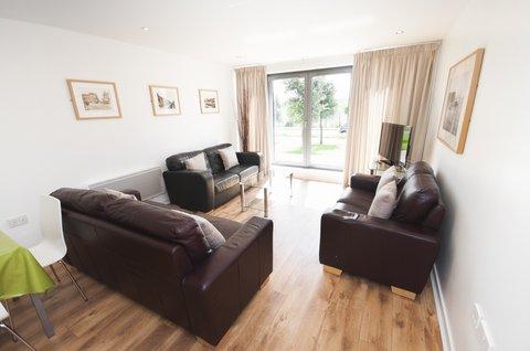 Ocean Apartments - 2 Bedroom Apartment - Living room