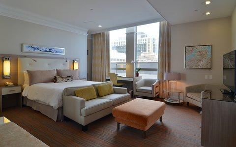 The Back Bay Hotel - Luxury Suite Bedroom