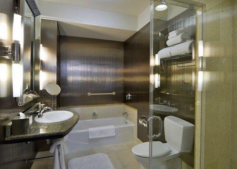 The Back Bay Hotel - Luxury Suite Bathroom