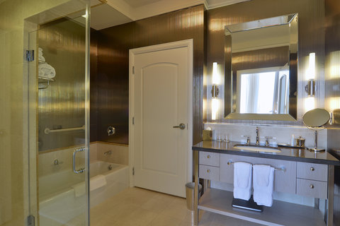 The Back Bay Hotel - Presidential Suite Bathroom