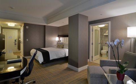 The Back Bay Hotel - Superior Queen Guestroom