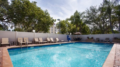 BEST WESTERN Fort Lauderdale Airport/Cruise Port - Sparkling Pool