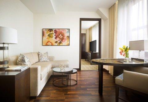 JW Marriott Houston Downtown - King One-Bedroom Suite - Living Area