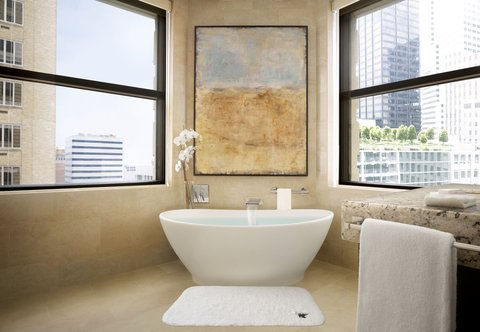 JW Marriott Houston Downtown - King One-Bedroom Suite - Bathroom