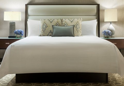 JW Marriott Houston Downtown - Executive Suite Sleeping Area