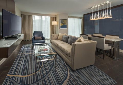 Marriott Marquis Washington, DC - Marquis Suite   Living Room