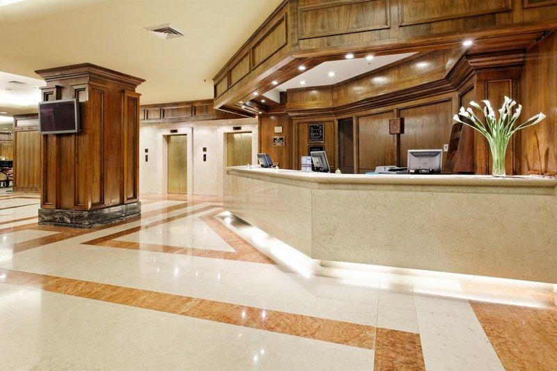Crowne Plaza Hotel Santiago Hala
