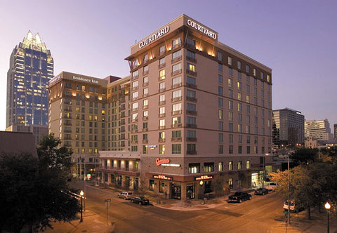 Courtyard By Marriott Austin Downtown/Convention Center Hotel - Exterior