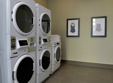 Staybridge Suites ST. PETERSBURG DOWNTOWN - Laundry Facility