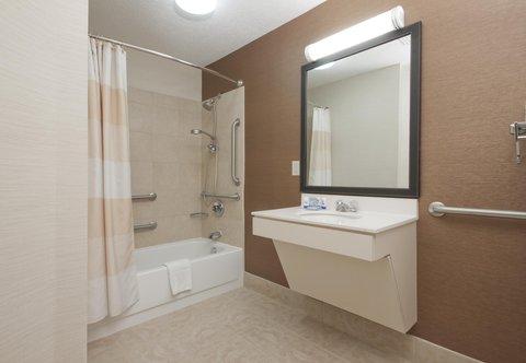 Fairfield Inn Bozeman - Accessible Guest Bathroom   Shower Tub Combination