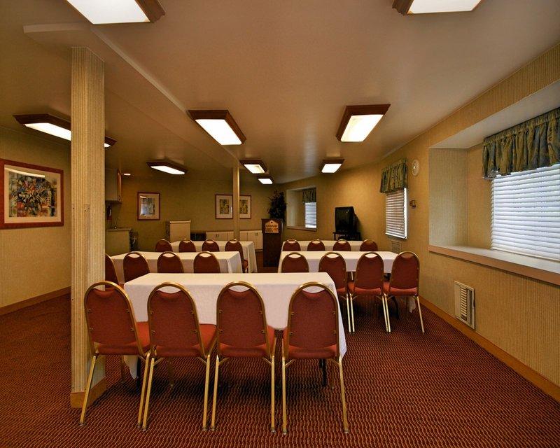 Ramada Inn and Suites Costa Mesa/Newport Beach Tagungsraum