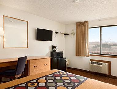 Super 8 Cody - 1 Queen Bed Room