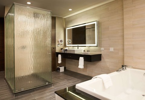 Metropolitan at The 9, Autograph Collection - King Suite Bathroom