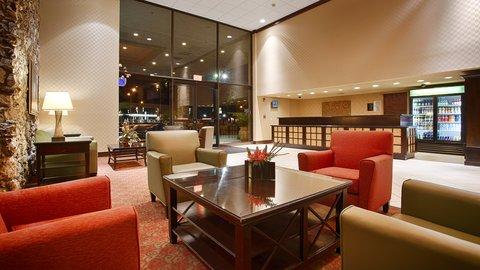 BEST WESTERN PLUS International Speedway Hotel - Modern Lobby
