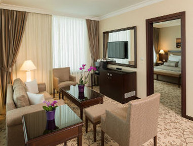 Ramada Kaya Plaza Hotel Suite