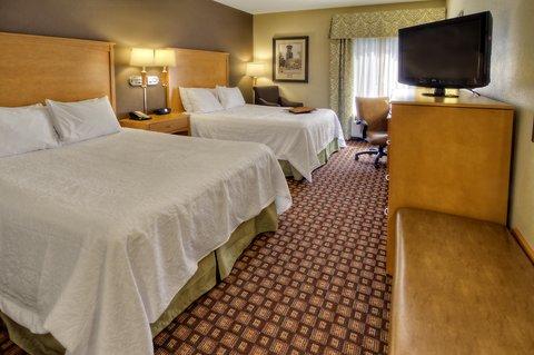 Hampton Inn - Suites Nashville-Vanderbilt-Elliston Place - Two Queen Mobility Hearing Accessible Room