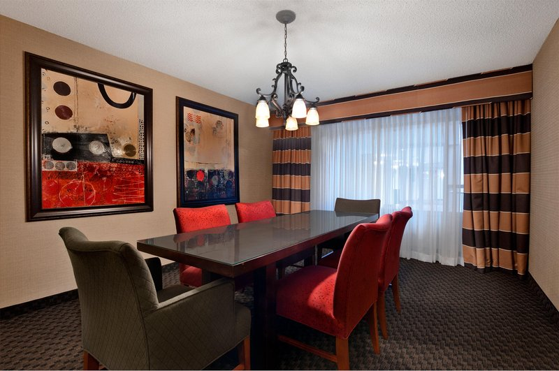 The westin lombard yorktown center in lombard il 60148 for 200 royce blvd oakbrook terrace il