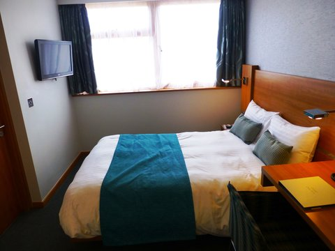 College Court Conference Centre and Hotel - Double Bedroom View