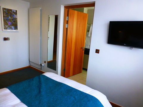 College Court Conference Centre and Hotel - Double Bedroom