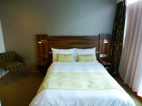 College Court Conference Centre and Hotel - Standard Double Bedroom