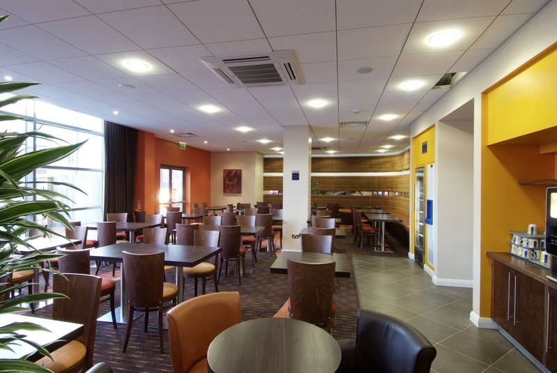 Holiday Inn Express Slough Gastronomi