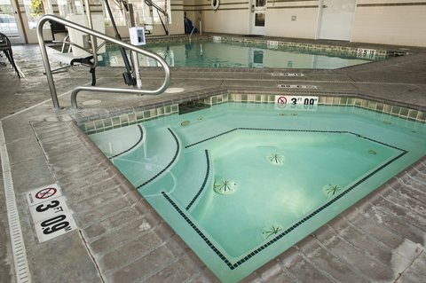 Holiday Inn Express WALLA WALLA - Relax in the spa after a busy day
