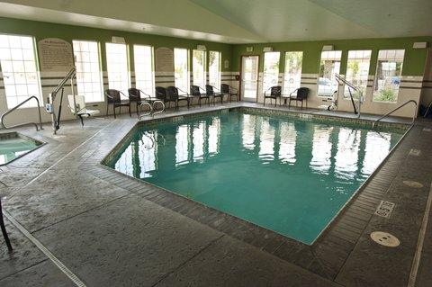 Holiday Inn Express WALLA WALLA - Take a dip in the heated pool