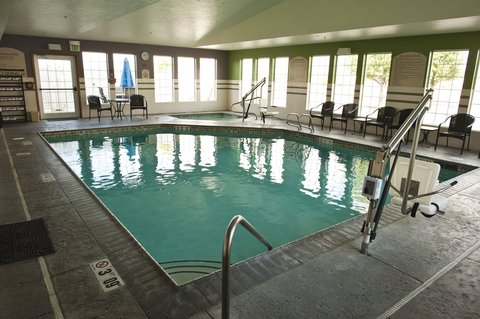 Holiday Inn Express WALLA WALLA - Go for a swim in the heated indoor pool