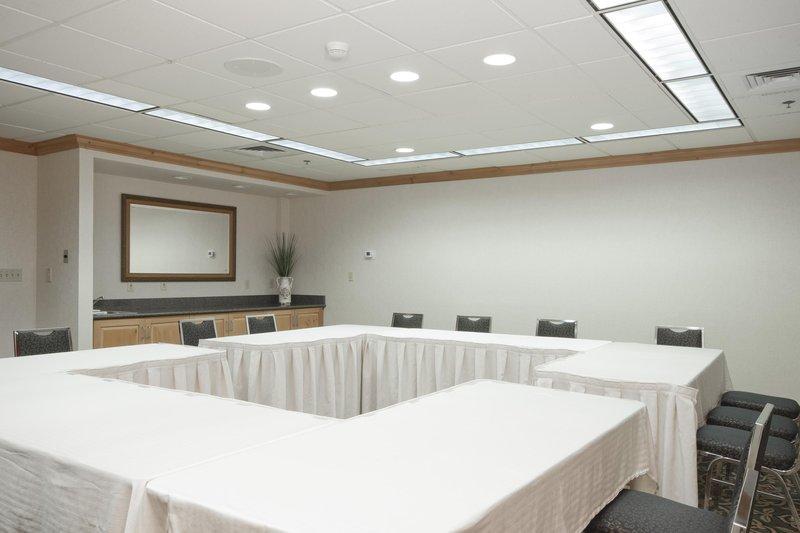 Homewood Suites Boston/Peabody 会议厅