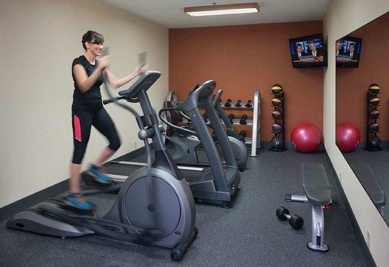 Hampton Inn St. Louis Sunset Hills Fitness