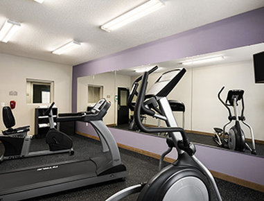 Microtel Inn & Suites by Wyndham Lynchburg - Fitness Center