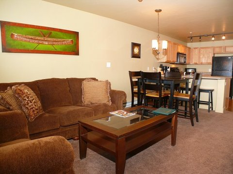 First Tracks by Wyndham Vacation Rentals - Living Room